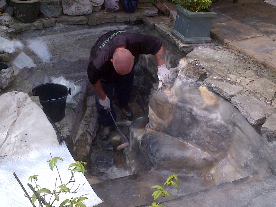 Pond fibreglassing Greenwich London