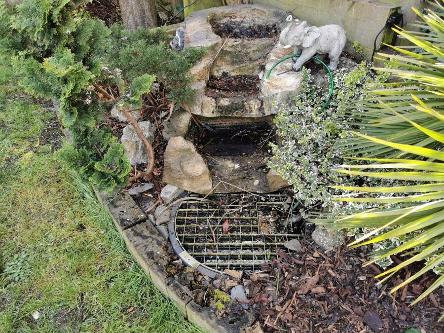 Pondless waterfall clean in Basildon Essex